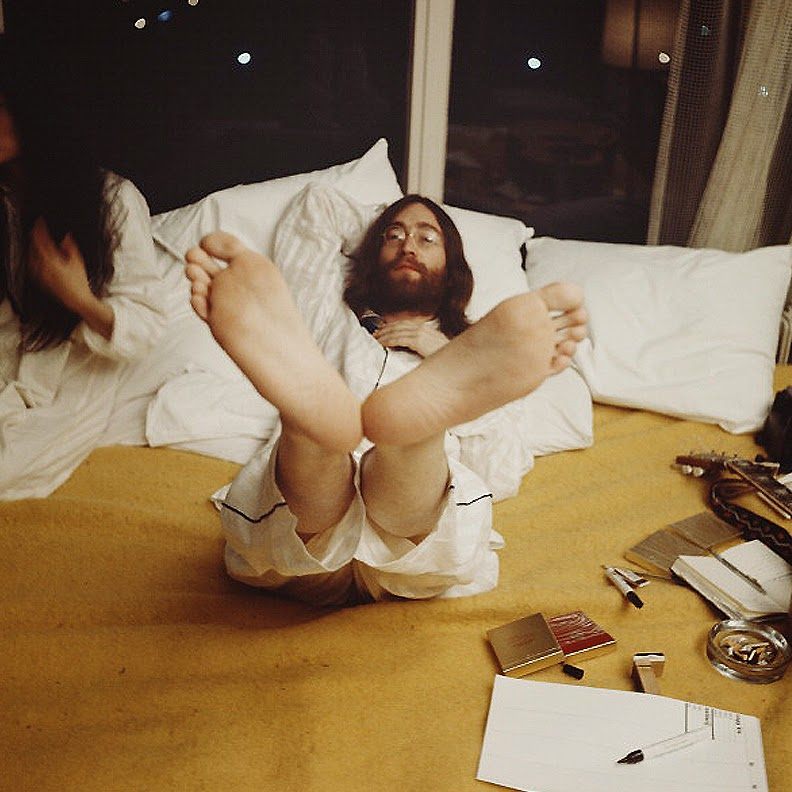 John Lennon and Yoko Ono_s Bed-In for Peace - Room 902, Amsterdam Hilton Hotel, March 25-31, 1969 Photo - Mark and Colleen Hayward